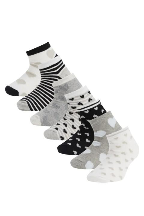 girl-low-cut-socks-grimelanj-820-13-29-34-1064613.jpeg