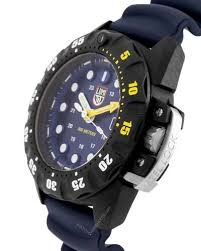 lx-1691luminoxmens-watch-3060452.jpeg