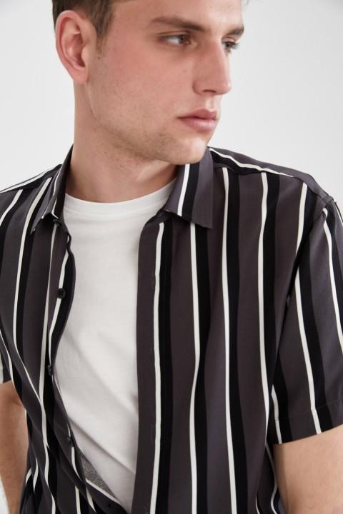 man-anthra-short-sleeve-shirt-xl-7686638.jpeg