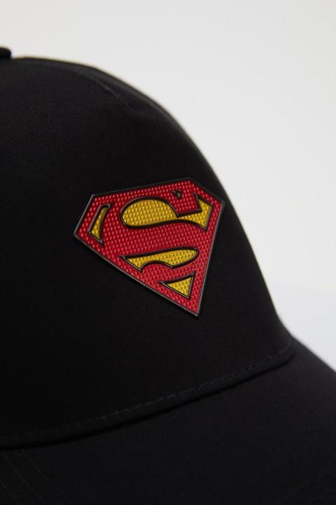man-black-hat-n2323az-753614.jpeg