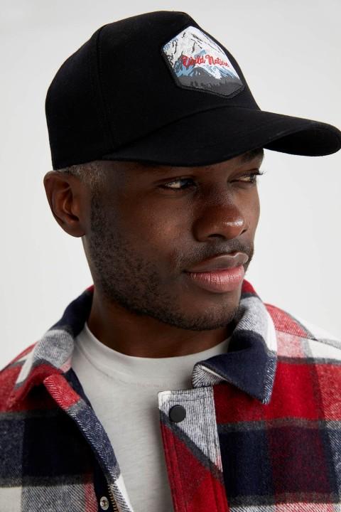 man-black-hat-t9333az-6047144.jpeg