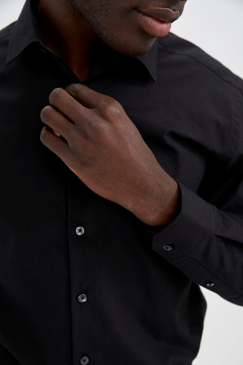 man-black-long-sleeve-shirt-l-0-9945171.jpeg