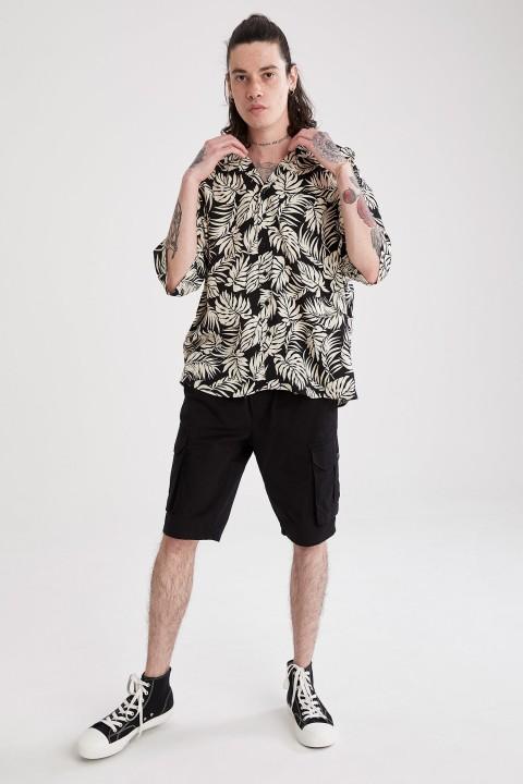 man-black-short-sleeve-shirt-l-3-2764674.jpeg