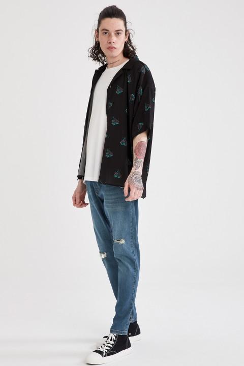 man-black-short-sleeve-shirt-l-4-5821197.jpeg