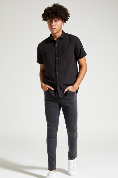 man-black-short-sleeve-shirt-xxl-1-4578181.jpeg