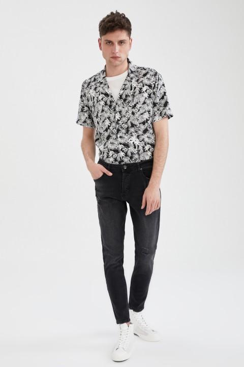 man-black-short-sleeve-shirt-xxl-7170286.jpeg