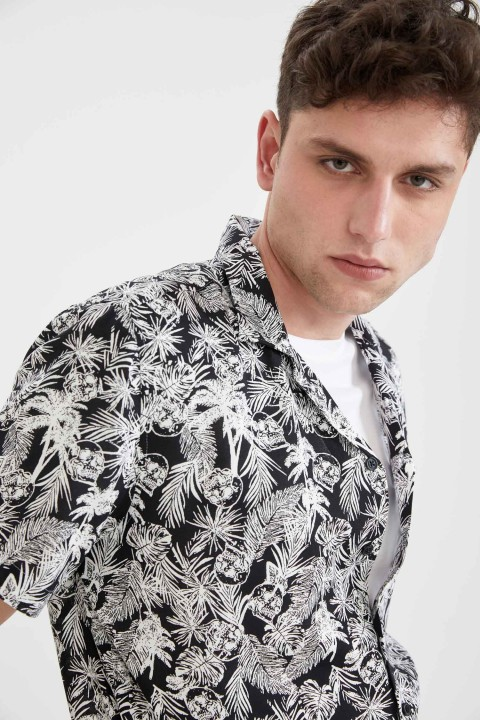 man-black-short-sleeve-shirt-xxl-951169.jpeg