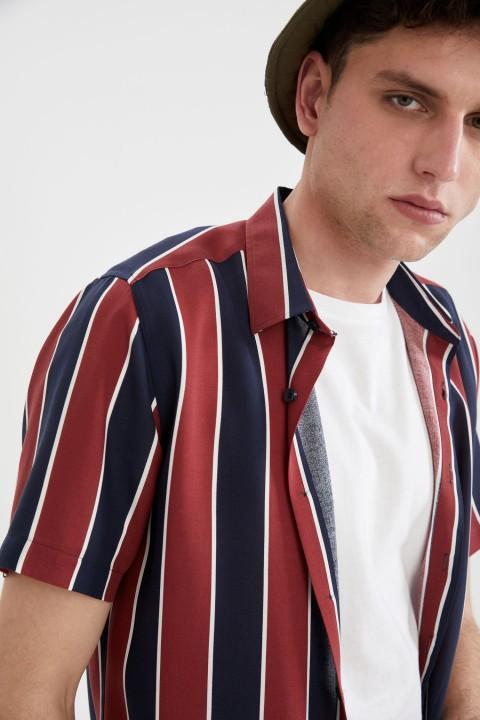 man-bordeaux-short-sleeve-shirt-l-4365456.jpeg