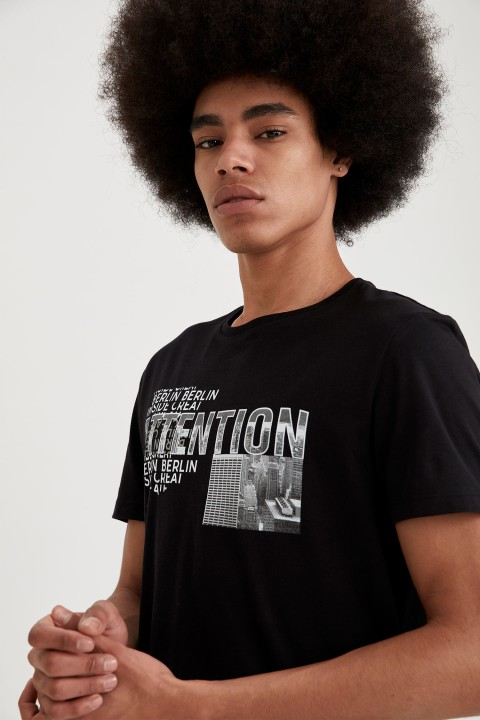 man-t-shirt-black-s-10-1419393.jpeg