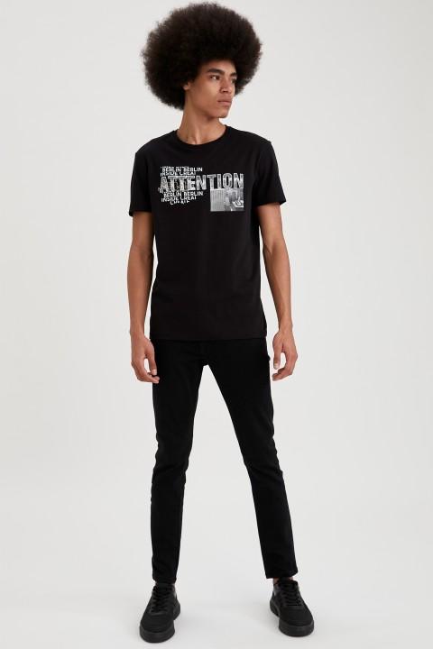 man-t-shirt-black-s-10-8020540.jpeg