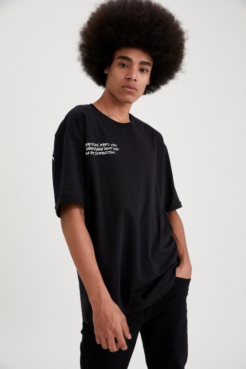 man-t-shirt-black-s-12-9601333.jpeg
