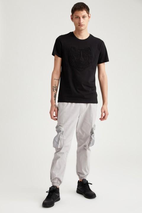 man-t-shirt-black-s-13-3563062.jpeg
