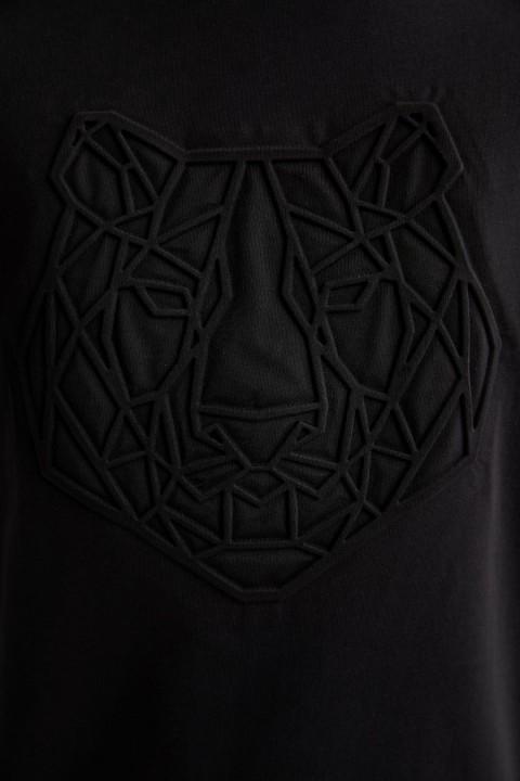 man-t-shirt-black-s-13-8113489.jpeg
