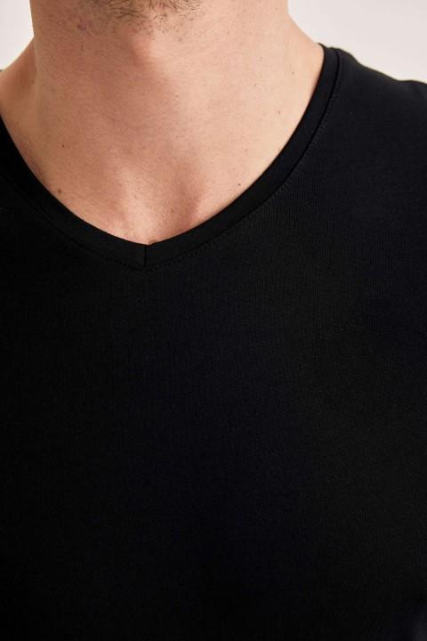 man-t-shirt-black-s-5-1882064.jpeg