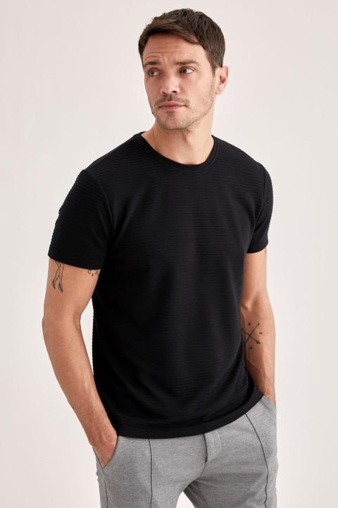 man-t-shirt-black-s-6-1350203.jpeg