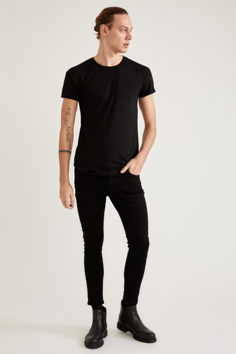 man-t-shirt-black-s-7-4679014.jpeg