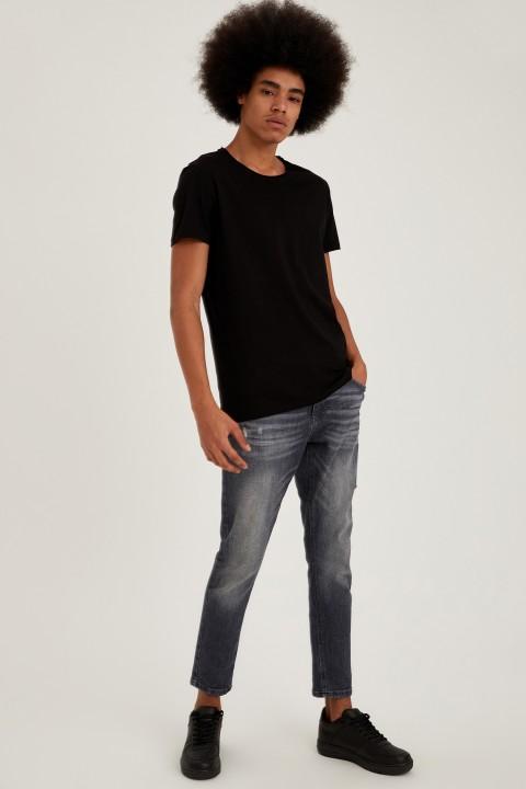 man-t-shirt-black-xxl-1-7748524.jpeg