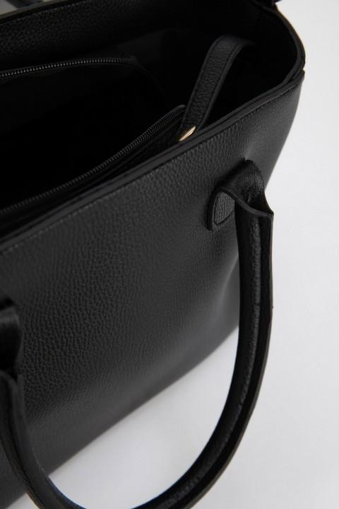 woman-bag-black-std-0-2314890.jpeg