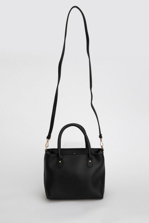 woman-bag-black-std-0-2369234.jpeg