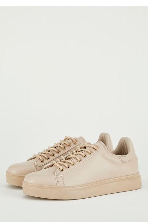 woman-beige-shoes-36-63852.jpeg