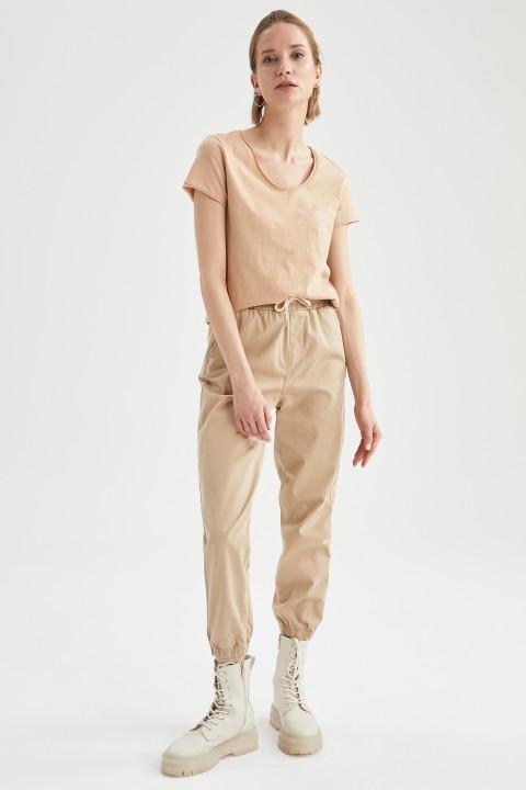woman-beige-short-sleeve-t-shirt-xl-6701306.jpeg