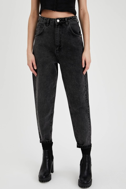 woman-trousers-black-28-0-1081593.jpeg