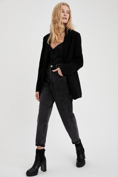 woman-trousers-black-28-0-4546492.jpeg