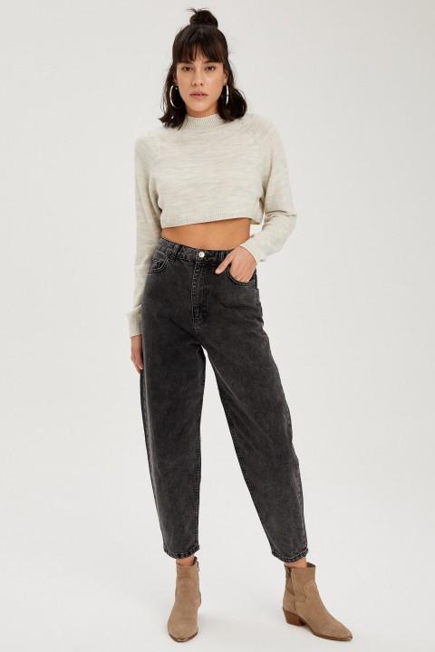 woman-trousers-black-38-1-5247818.jpeg