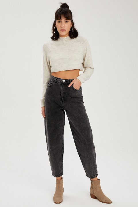 woman-trousers-black-38-1-9153051.jpeg