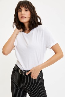 basic-short-sleeve-t-shirt-8698436157454-xsmall-4135213.jpeg