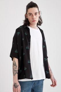 man-black-short-sleeve-shirt-l-4-4810970.jpeg