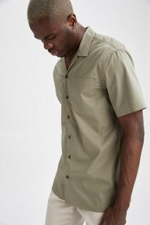 man-green-short-sleeve-shirt-xxl-5461444.jpeg