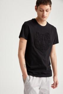 man-t-shirt-black-s-13-2973144.jpeg