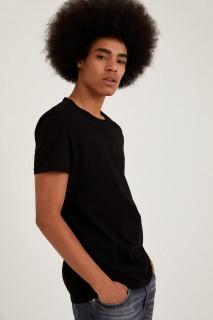 man-t-shirt-black-xxl-1-3493301.jpeg