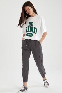 woman-anthra-trousers-44-2749323.jpeg