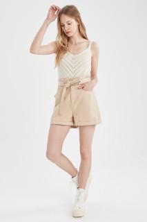 woman-beige-short-44-9617641.jpeg