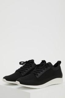 woman-black-shoes-40-0-3871386.jpeg