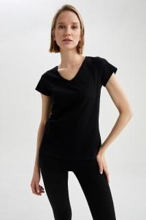 woman-black-short-sleeve-t-shirt-xl-0-3883144.jpeg