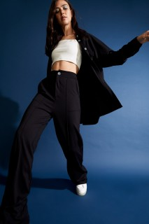 woman-black-trousers-36-4-8381030.jpeg