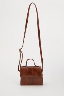 woman-brown-bag-u1933az-0-4798257.jpeg