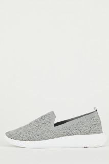 woman-grey-shoes-36-0-2448289.jpeg