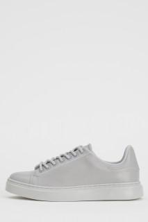 woman-grey-shoes-37-8779503.jpeg