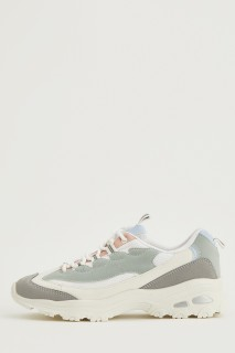 woman-grey-sport-shoes-37-248356.jpeg