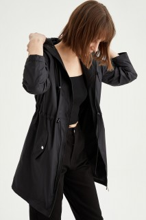 woman-light-parka-black-s-4867856.jpeg