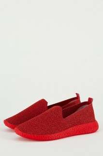woman-red-shoes-39-1058075.jpeg