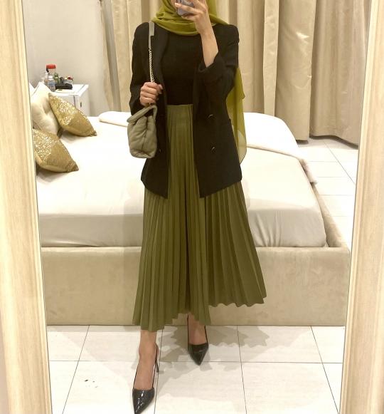 pleated-skirt-2215053.jpeg