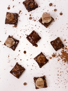 brownie-bites-with-kinder-dip-8513625.jpeg