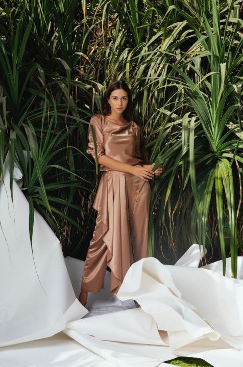bronze-silk-crpe-pants-7045701.png