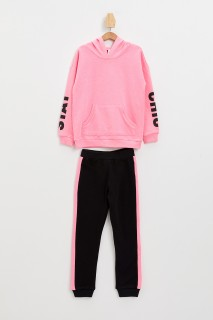 girls-set-neon-pink-5-6-2810037.jpeg